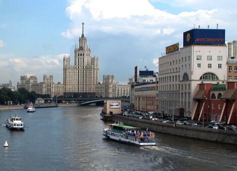 城市游船观光实拍片段